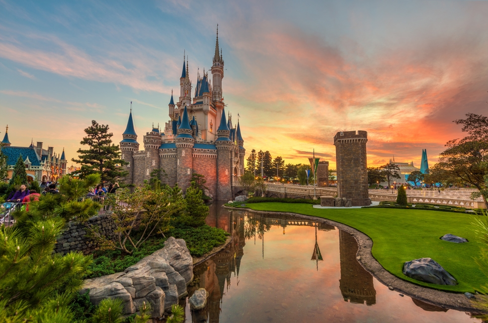 Magic Kingdom photo by Tom Bricker (check out his Flickr)