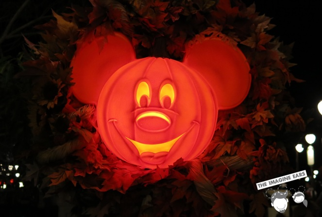Imagine Ears - Haunted Mansion Disney mickey pumpkin