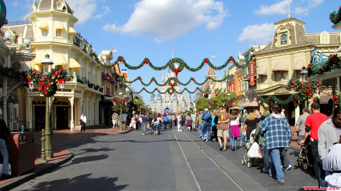 main-street-christmas-time-1-9