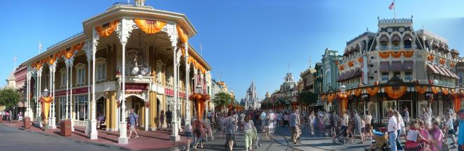 Main_Street_During_Day_Magic_Kingdom_Panorama_2009_(3985541190)_(2)