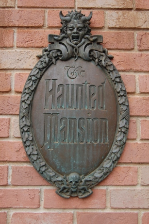 Haunted Mansion Sign photo by Lunchbox Photography